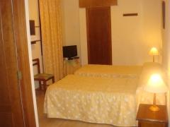 Habitacion dos camas superior con baño dentro