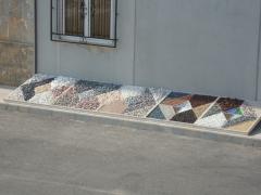 Mezcla depiedras decorativas, canto rodado, cristales triturados, corteza de pino.todo para jardines