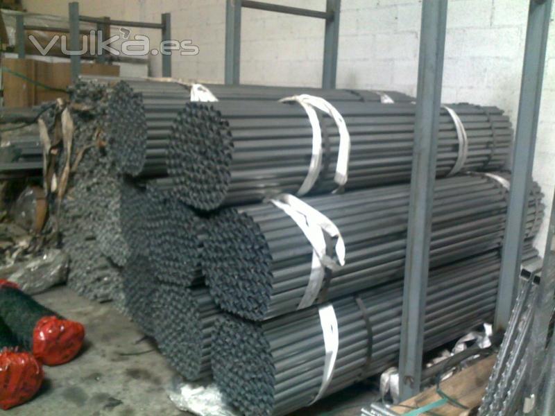 Foto postes de cremallera para cercados central de - Estacas de madera para cierres ...