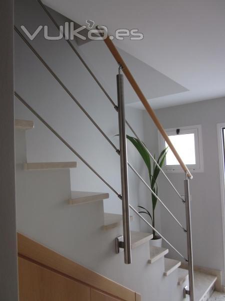 Foto baranda de acero inoxidable con pasamanos de madera - Pasamanos de acero inoxidable para escaleras ...