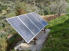 Módulos fotovoltáicos para suministrar energía eléctrica autónoma.