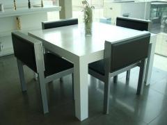 Mobiliario en corian ( muebles, mesas, cocinas, baños,... )