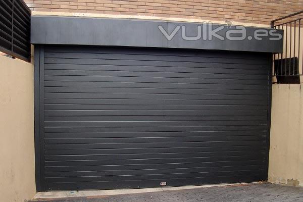 Saura puertas automaticas alicante alicante for Puertas automaticas garaje precios
