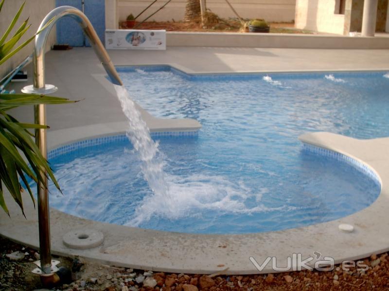 Foto detalle de ca on de hidromasaje para piscina for Canon piscina