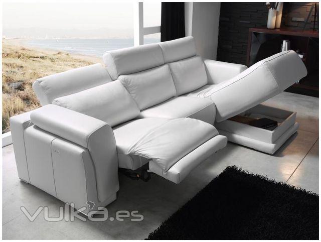 Foto sofa modelo madeira de pedro ortiz - Sofa pedro ortiz ...
