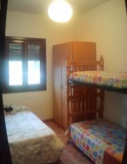Dormitorio con litera mas cama de 1,1