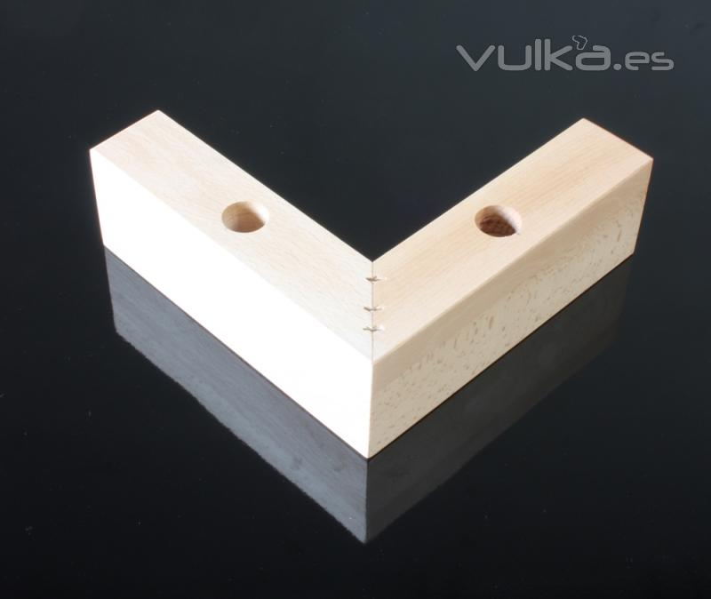 Foto nuevos dise os de patas para sof s mueble butacas for Patas para muebles madera