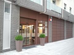 Fachada y entrada principal a nuestras instalaciones