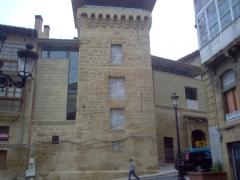 Torreon de haro. vista general del edificio tras su restauracion, con los matacanes reconstruidos