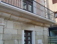 Ayuntamiento los arcos. reconstruccion del balcon que preside la fachada principal del edifico