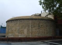 Murallas del revellin. reconstruccion del bocel de remate de la muralla