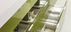 Detalle mobiliario de ba�o dica modelo lush hiedra brillo y cemento