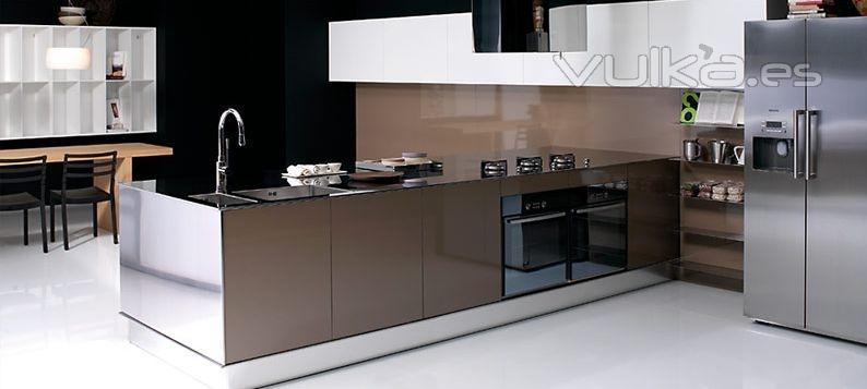 Foto mobiliario de cocina dica modelo milano brillo moka for Muebles de cocina dica