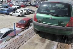 Transporte de coches hasta nuestro centro de reciclado.