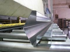 Poste galvanizado para encajar paneles metálicos y efectuar cerramientos