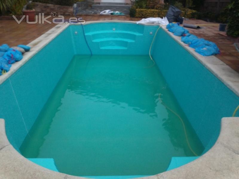 Foto piscina lamina gresite color verde - Gresite piscinas colores ...