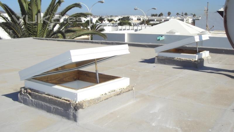 Foto claraboyas con madera y apertura regulable por husillo - Claraboyas para techos ...