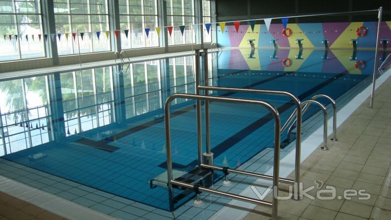 foto piscina cubierta de la roda