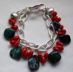 Pulseras, piedras naturales y dise�o totalmente artesanal