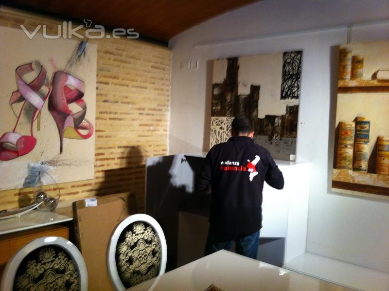 Foto mantenimiento en tiendas de muebles en valencia for Muebles gratis valencia