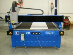 Disponemos de maquinaria de ultimas tecnologías, fresadora, laser, e impresión directa.