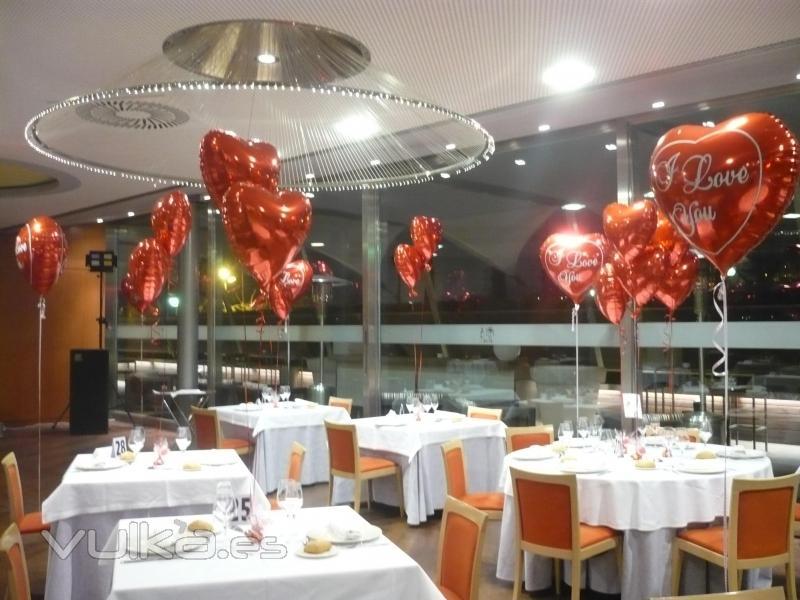 Foto decoracion en restaurante fiesta de san valentin for Decoracion para pared san valentin