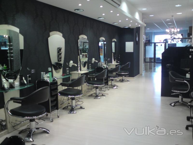 Foto otra perspectiva de nuestro sal n de belleza p l 21 for Peluqueria y salon de belleza