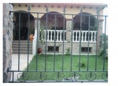 Verjas, rejas, cancelas, puertas, mobiliario de jardin de forja