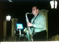 Alexander ramos...con los grupos de jazz...un saxofonista con feelin y fuerza