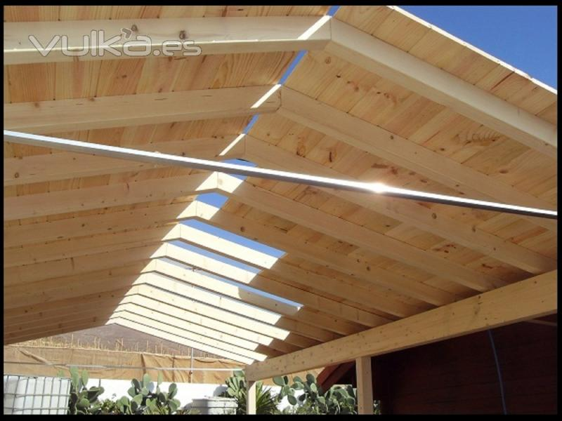 Foto techo de madera para cochera - Garage de madera ...