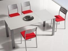 Composici�n de sillas y mesa de cocina