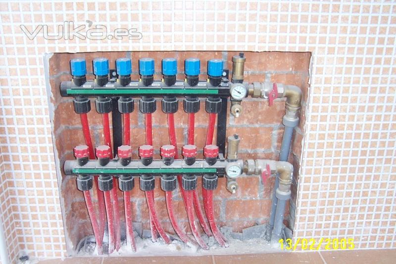 Foto instalaci n de colector suelo radiante - Caldera para suelo radiante ...