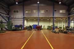 Tenemos un amplio taller para realizar revisiones y reparaciones de motores, sistemas propulsi�n, ..