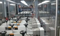Maquina de alta y mediana producci�n,  incorpora cierre zipper