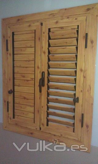 Foto aluminio imitacion madera pino persianas lamas for Ventanas de aluminio imitacion madera