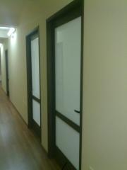 Puertas oficinas, cristal anti-impacto, no transparente, proteccion acustica.