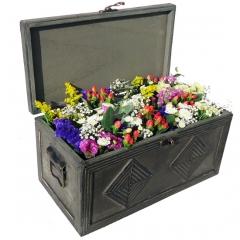 Cofre de flores silvestres. enviar flores a domicilio con la calidad de la mejor floristería online.