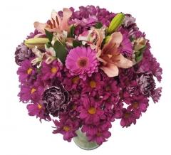 Ramo de flor variada tonos morados.  enviar y regalar flores a domicilio con la mejor floristería.