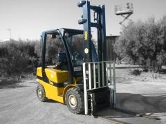 Ref.:1045, carretilla di�sel yale, modelo gdp25vx value, capacidad de carga: 2500 kgs., m�stil duple
