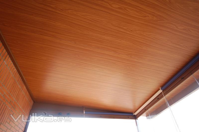 Foto techos fijos en madera o en el color que desee for Colores para techos de madera