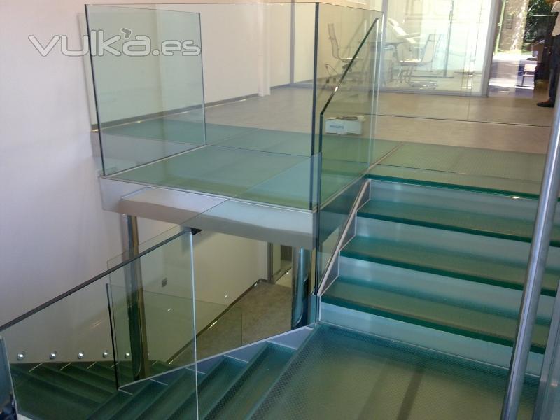 Foto barandilla y suelo pisable de cristal antideslizante - Suelos de cristal ...