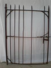 Restauraci�n de puertas antiguas de forja respetando las tecnicas antiguas.
