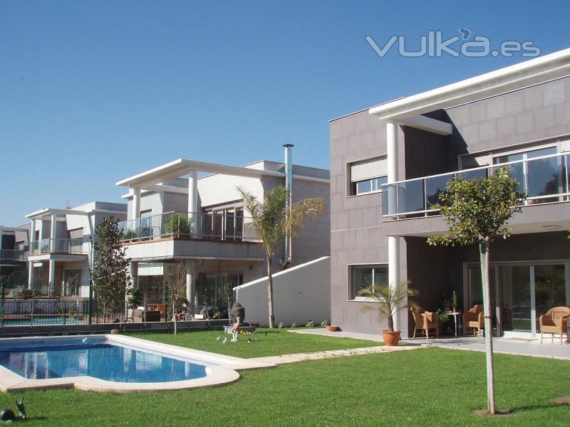 Foto 8 viviendas unifamiliares adosadas en chiva valencia - Aparejadores valencia ...