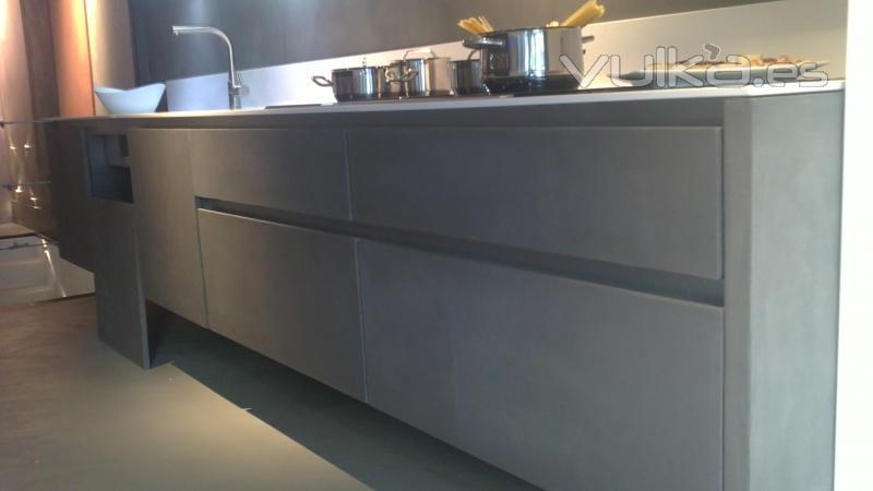 Foto cemento pulido color gris perla aplicado sobre for Cocinas integrales de cemento