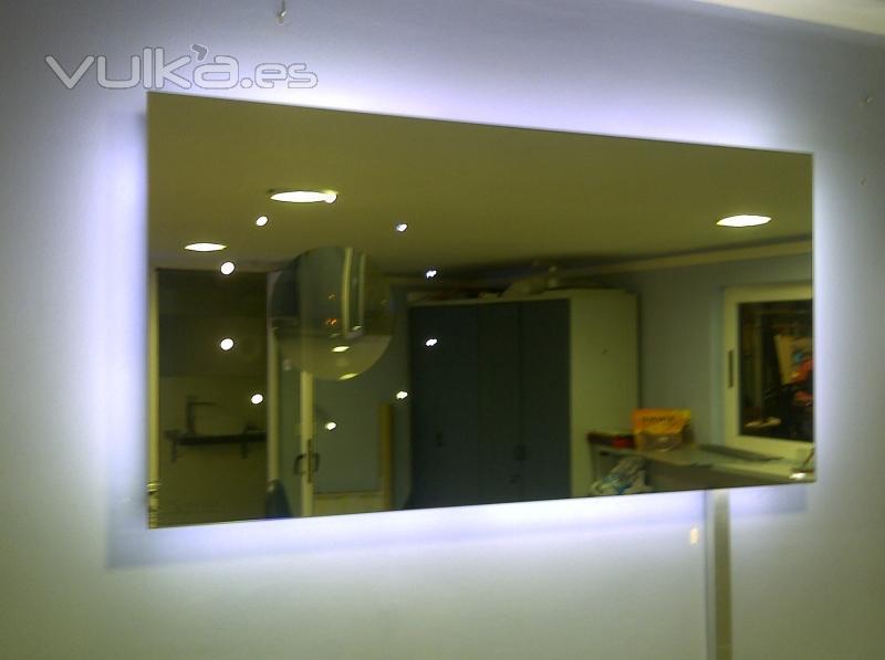 Foto espejo con leds dise o propio se puede hacer - Espejos con leds ...
