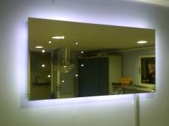 Espejo con leds diseño propio. se puede hacer personalizado.