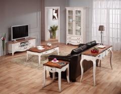 Ambiente salón chantal blanco roto decapado y madera. olmo. estilo vintage francés