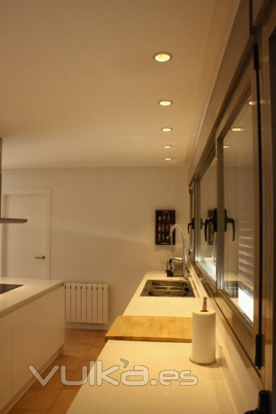 Iluminaci n led outside bcn for Iluminacion led para cocinas