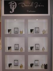 6 eau de parfum by daniel josier con notas muy personales y cuidadas 100ml. por 95eur.