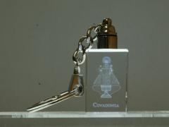 Llavero de cristal con grabado 3d